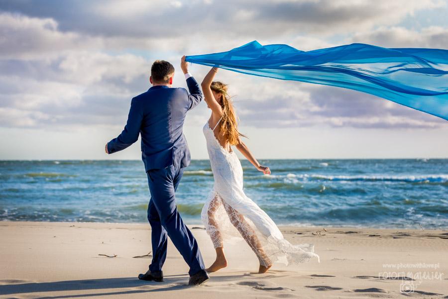 Plener ślubny Marty i Marcina nad morzem