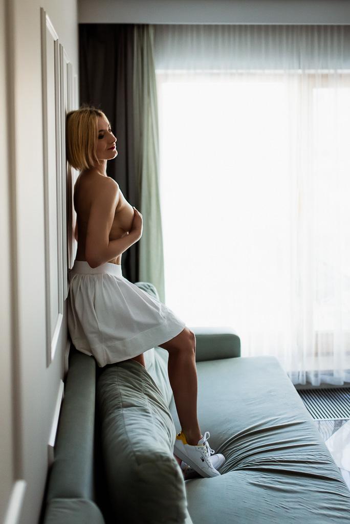 Sesja kobieca w apartamencie