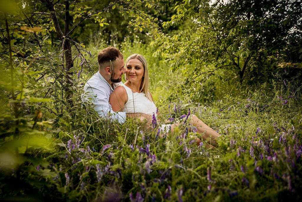 sesja przed ślubem dla narzeczonych w lesie Gdynia