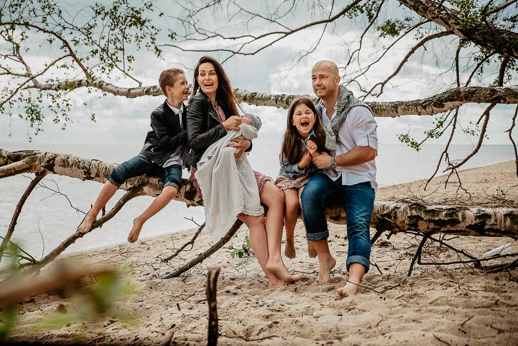 Rodzinna sesja zdjęciowa na plaży w Gdyni