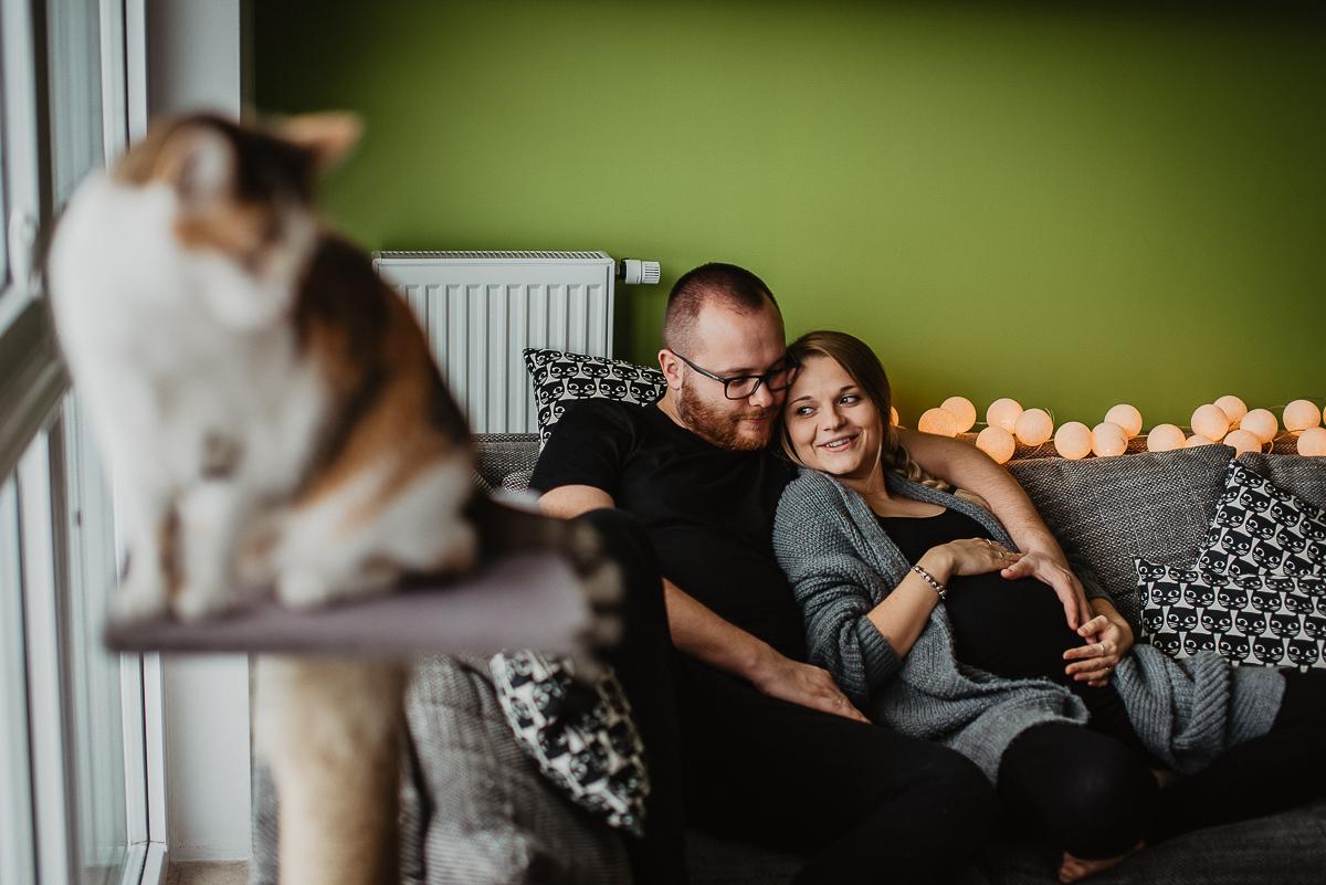 Naturalna sesja ciążowa Oli i Łukasza w domu_Gdynia