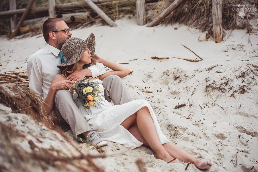 Niezwykły plenerowy ślub i sesja zdjęciowa nad morzem_N&T
