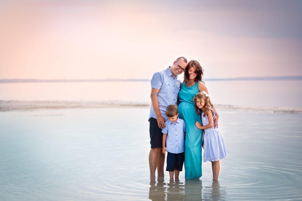 Sesja ciążowa i rodzinna nad morzem
