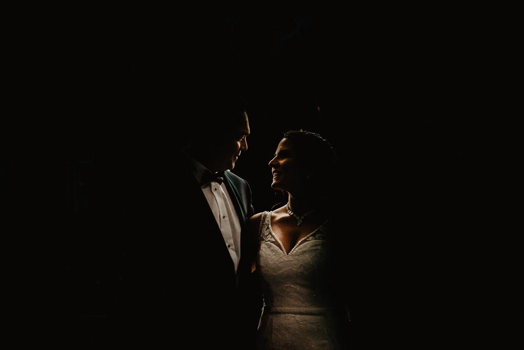 artystyczny portret pary młodej ślub plenerowy Trójmiasto fotograf Anita Talaśka