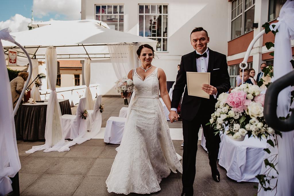 ślub cywilny Trójmiasto w plenerze z urzędnikiem hotel sheraton sopot