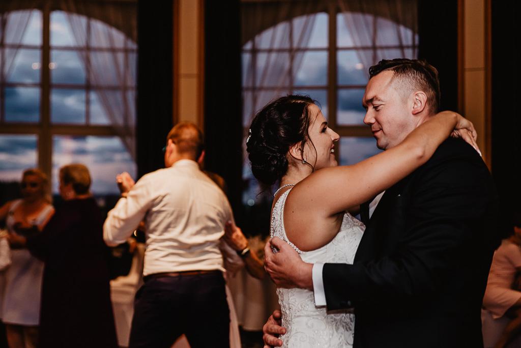 taniec pary młodej na weselu hotel Gdynia