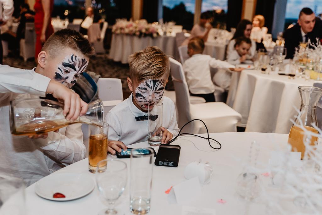 co robią dzieci na zabawie weselnej animatorka
