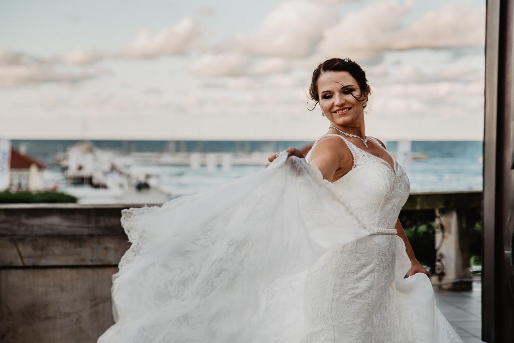 suknia ślubna ivory sesja zdjeciowa fotograf ślubny Sopot Trójmiasto