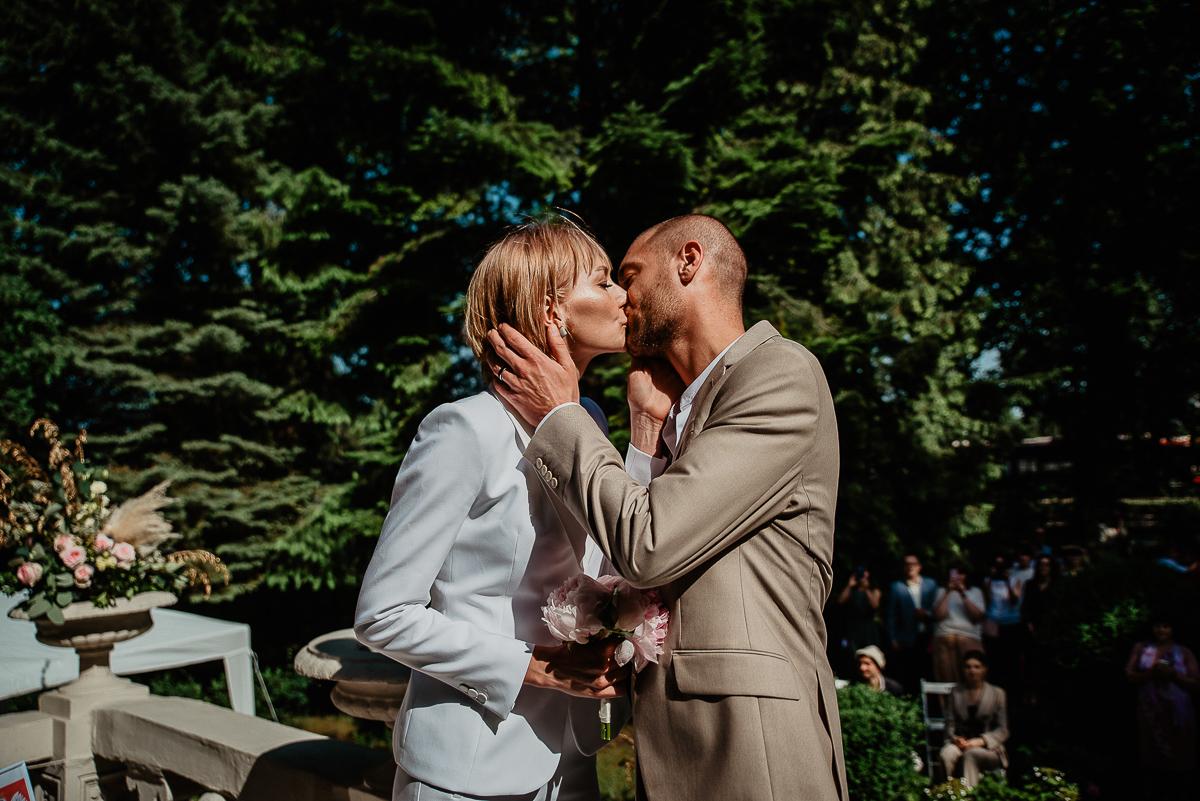 ceremonia zaślubin w USC w plenerze