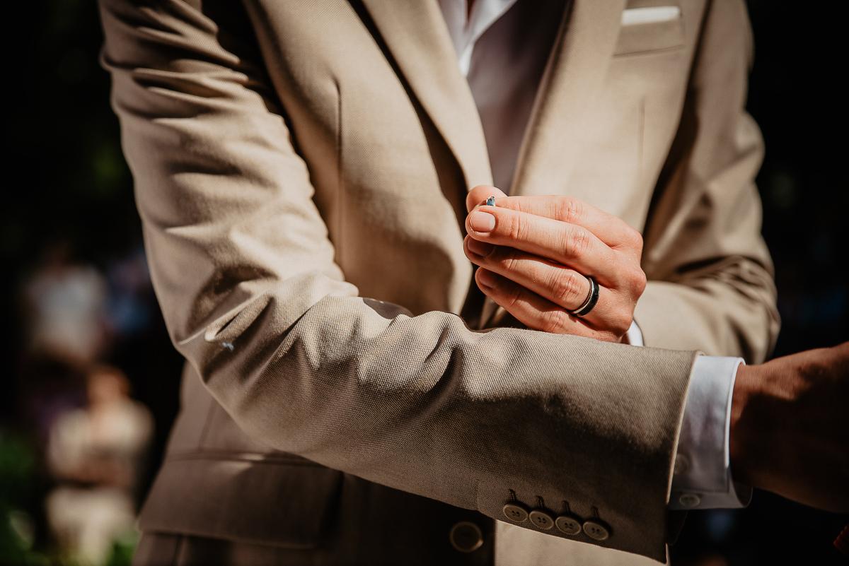 nakładanie obrączek ceremonia ślubna