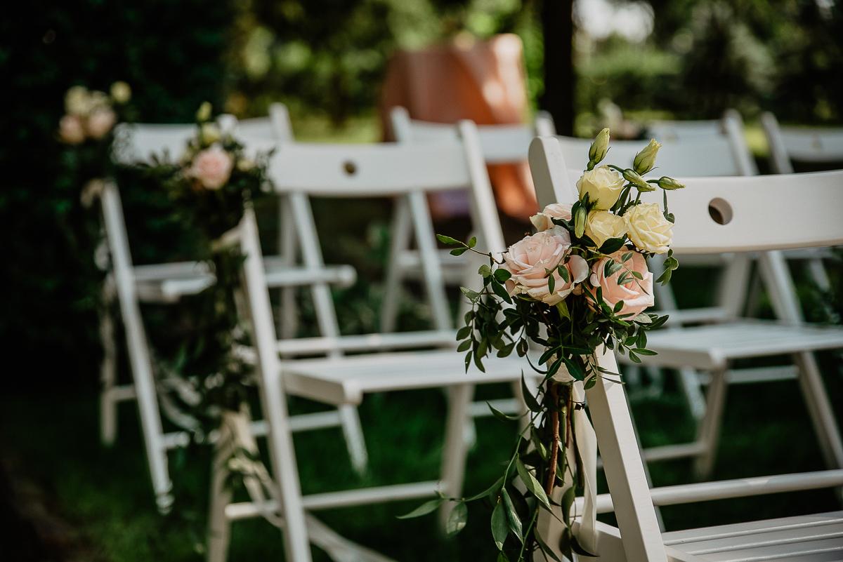 jakie kwiaty na ślub w plenerze w ogrodzie
