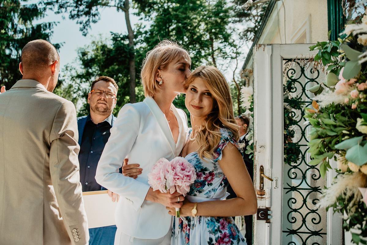 panna młoda i świadkowa na ślubie Gdańsk
