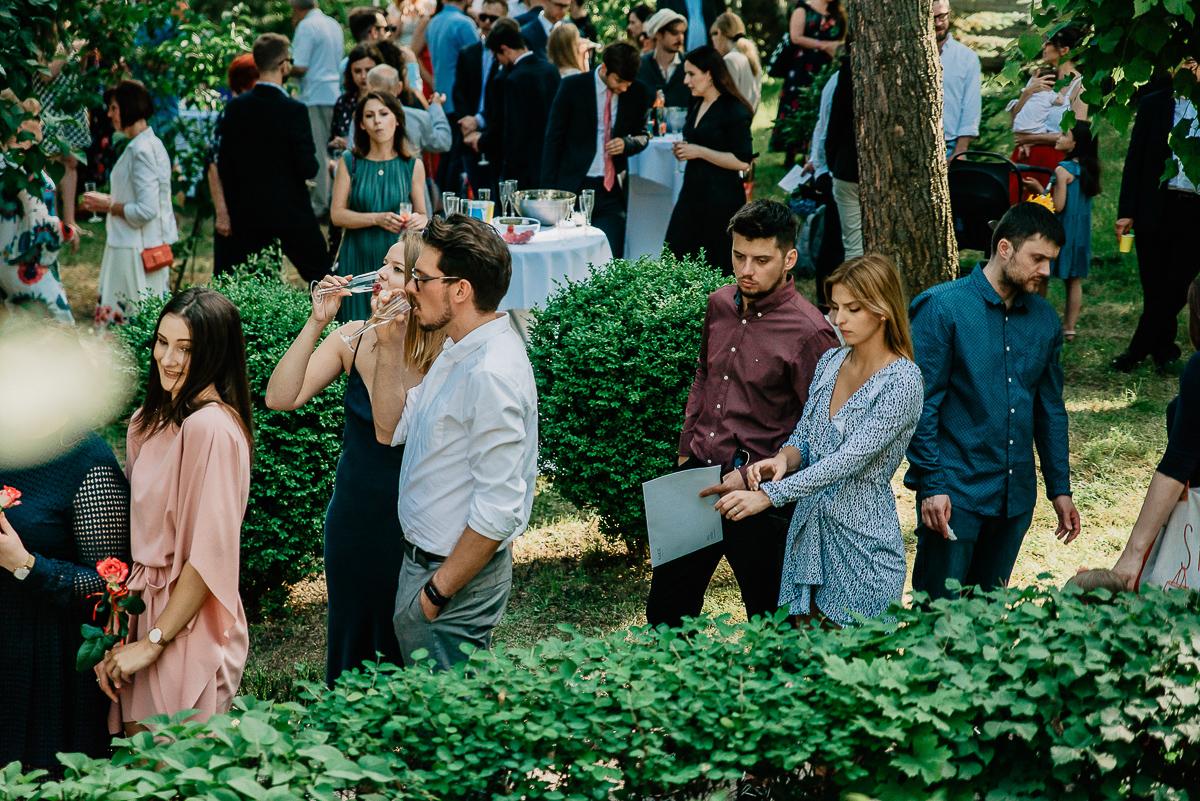 życzenia podczas ceremonii ślubu w plenerze