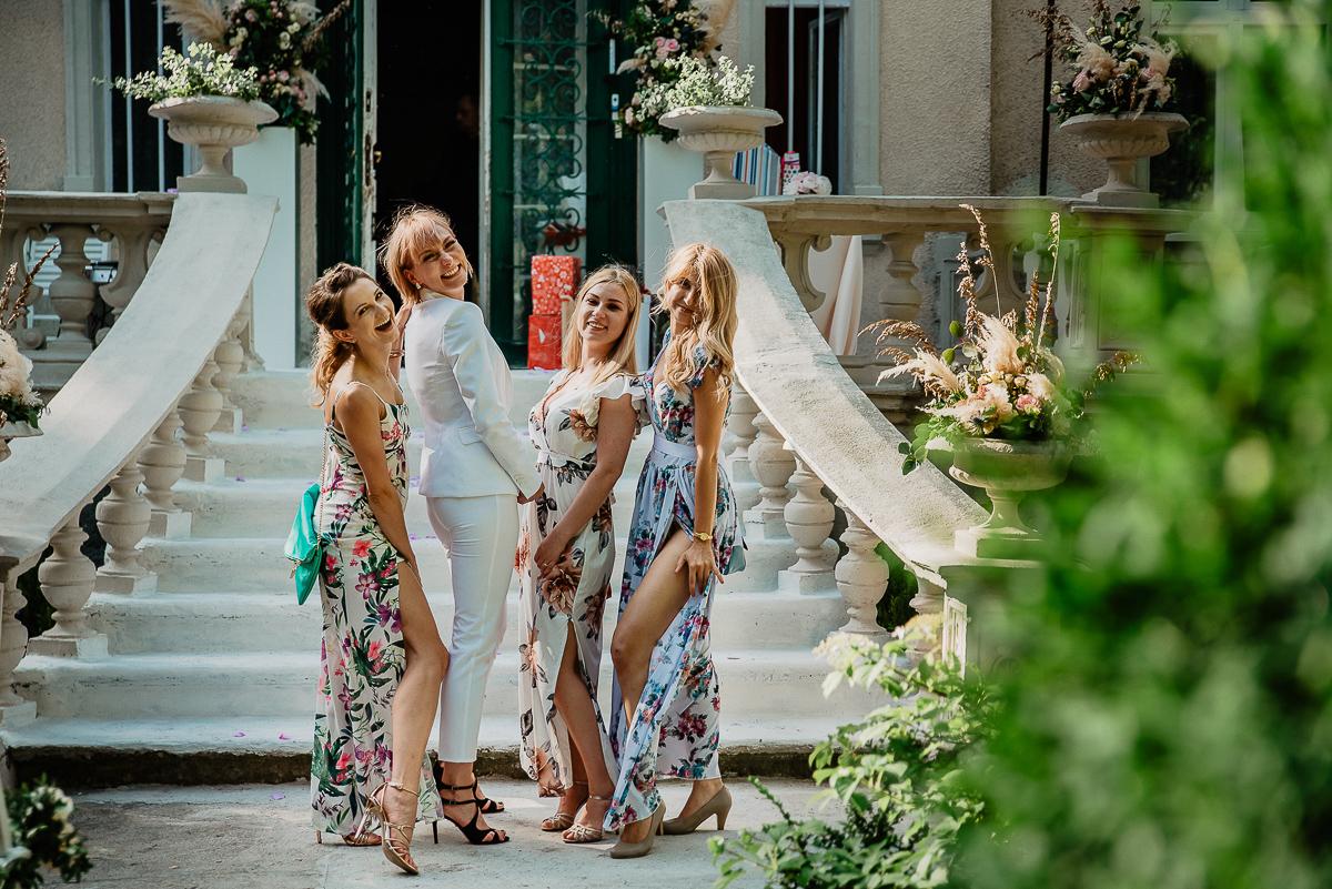 zdjęcia z druhnami ślub w plenerze