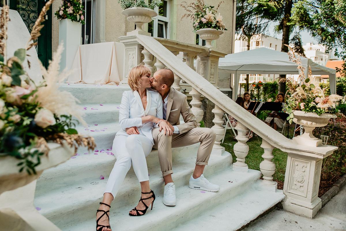 plener ślubny podczas uroczystości zaślubin