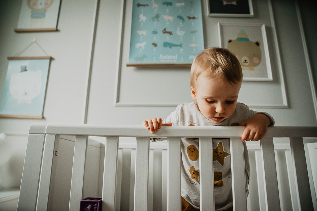 łóżeczko dla dziecka białe szczebelki