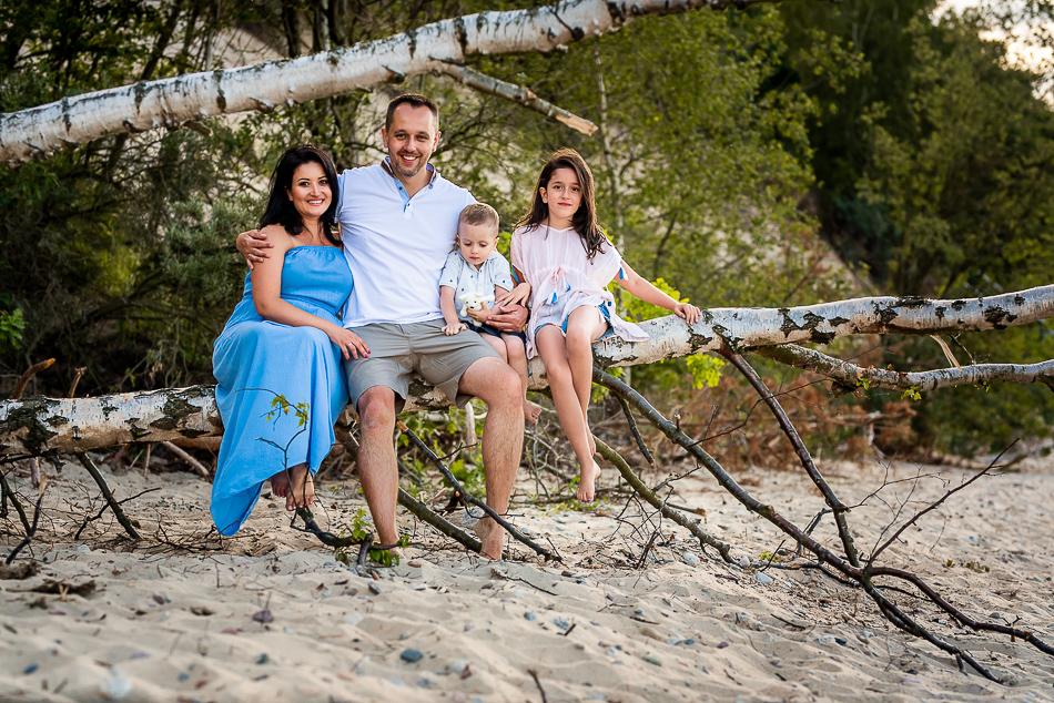 wspólne rodzinne chwile czas spędzamy nad morzem
