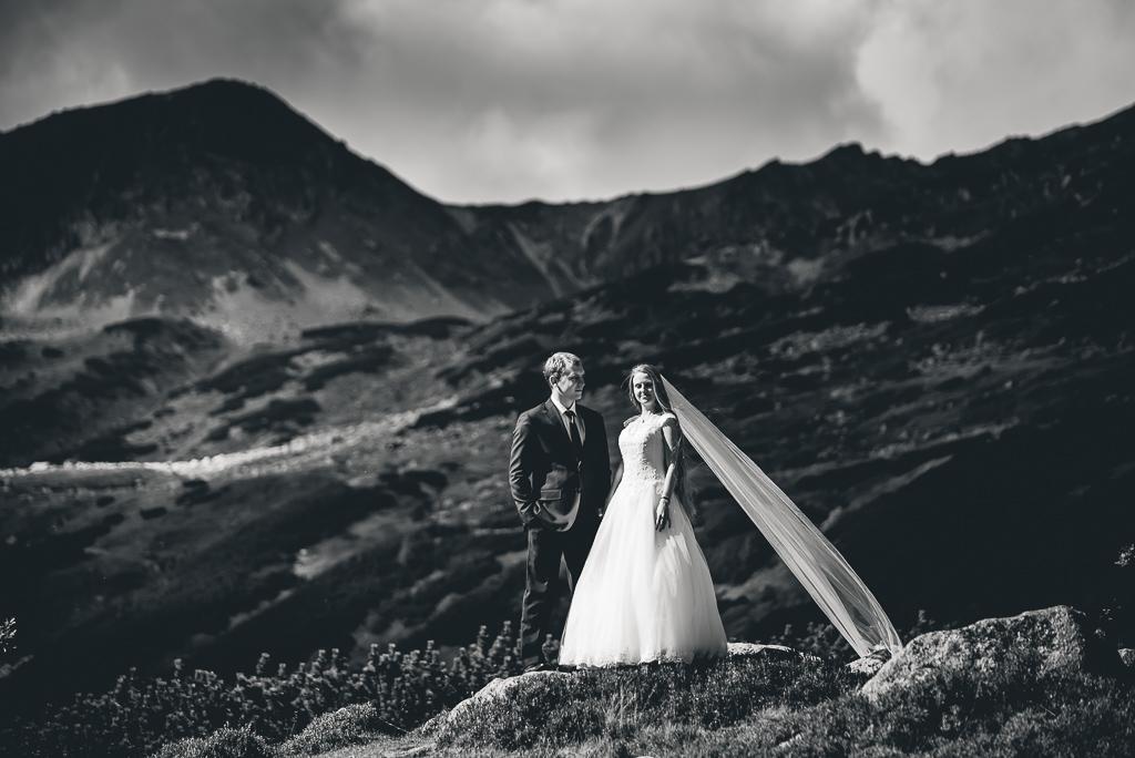 portret pary młodej w górach Tatry